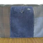 Laptopveske laget av diverse klær